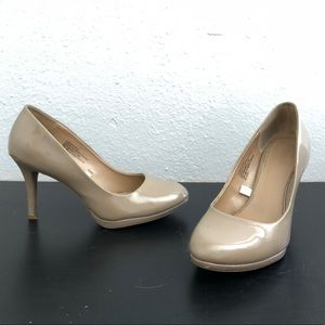 Taupe/ beige / tan high heels / pumps